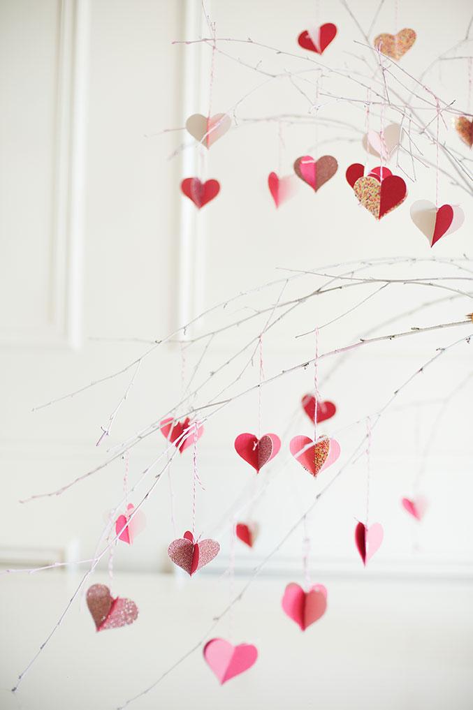 Распределяем валентинки по веточкам