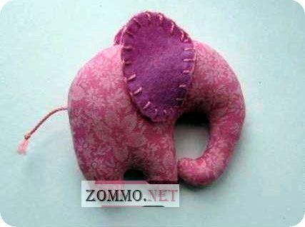 Розовый слон из ткани
