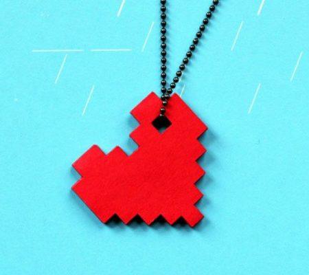 Ожерелье в виде пиксельного сердца своими руками