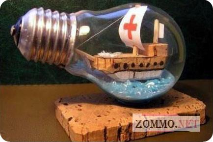 Кораблик в лампочке
