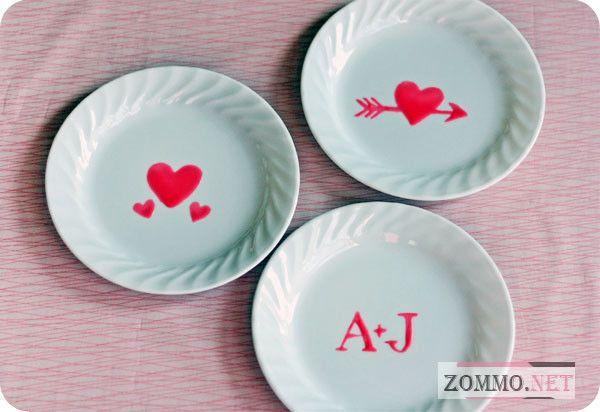 Украшаем посуду на День святого Валентина