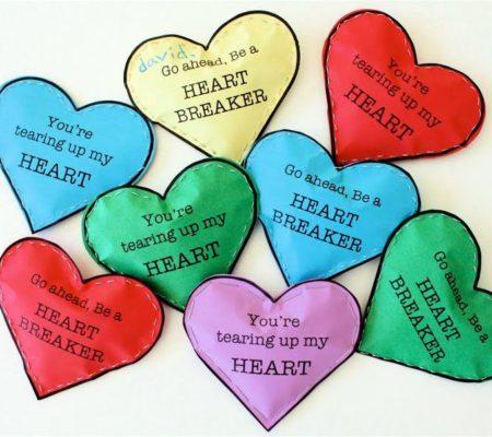 Валентинка с конфетами в виде сердца