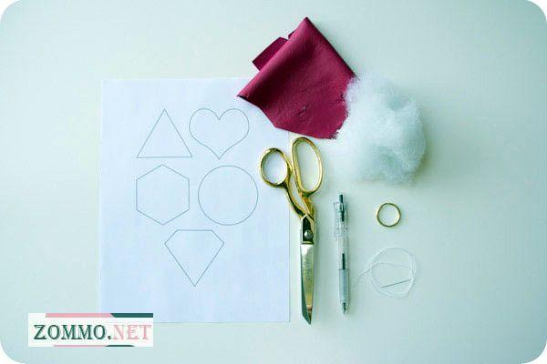 Материалы и инструменты для создания брелка из кожи