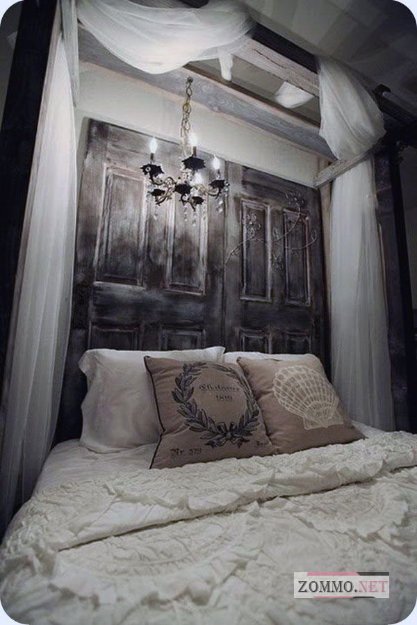 Украшение кровати старой рамой