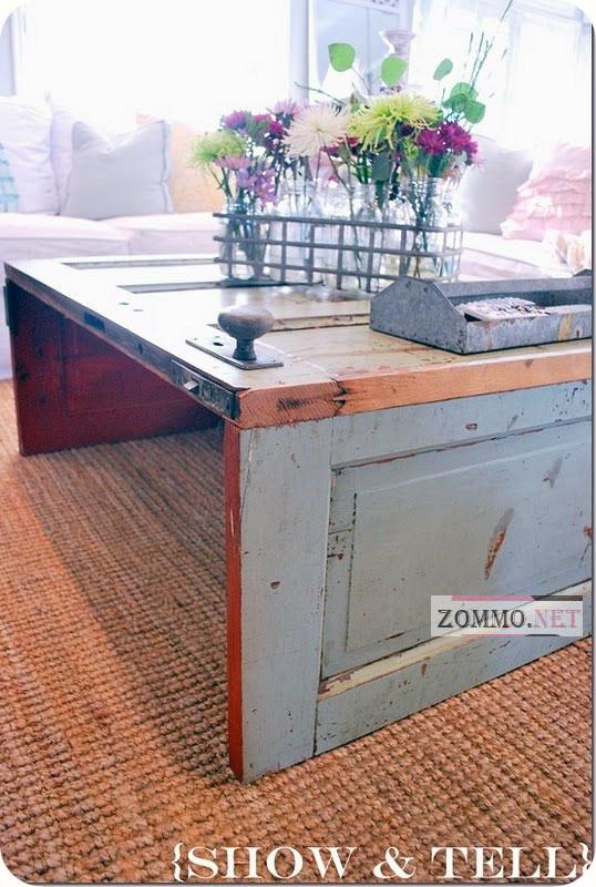 Небольшой столик из оконной рамы