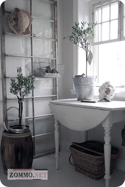 Украшение квартиры старыми рамами