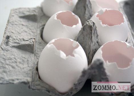 Делаем отверстие на яйце