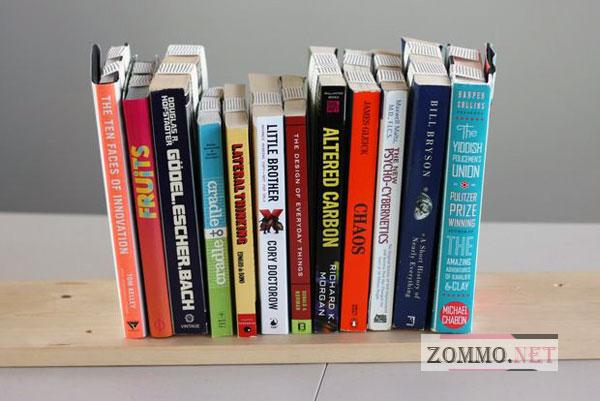 Перевернутая полочка для книг