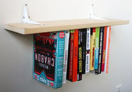 Перевернутая полочка для книжек своими руками