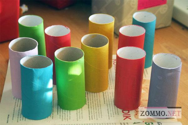 Красим трубочки из-под туалетной бумаги