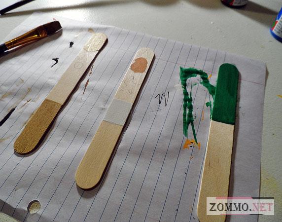 Делаем закладки из деревянных палочек