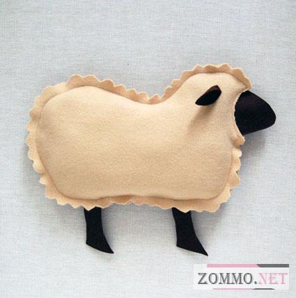 Красивая диванная подушка - овечка(мастер класс)