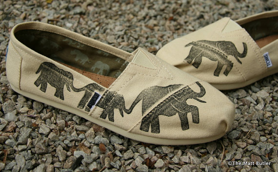 Кеды со слонами