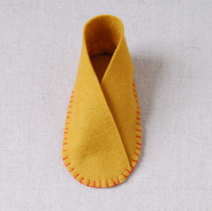 Правая обувка готова