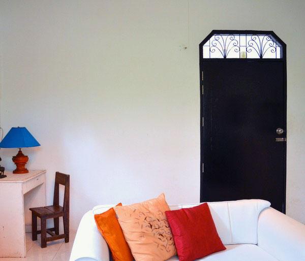 Стена для фотоколлажа