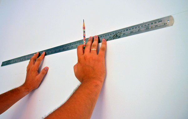 Измеряем расстояние линейкой