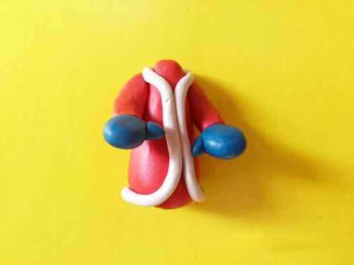 Тело Деда Мороза из пластилина