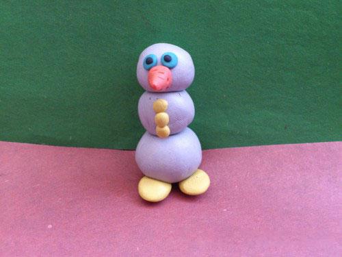 Пуговицы для снеговика из пластилина