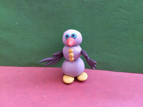 Снеговик без шляпы из пластилина