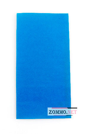 Синий лист бумаги для создания лягушки