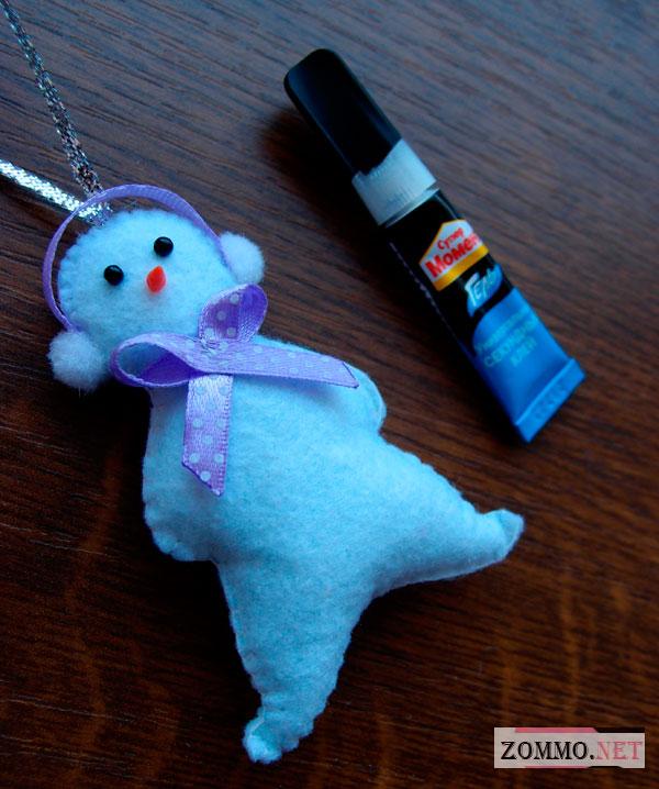 Снеговик и клей