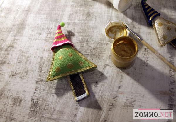 Раскрашиваем новогодние игрушки красками