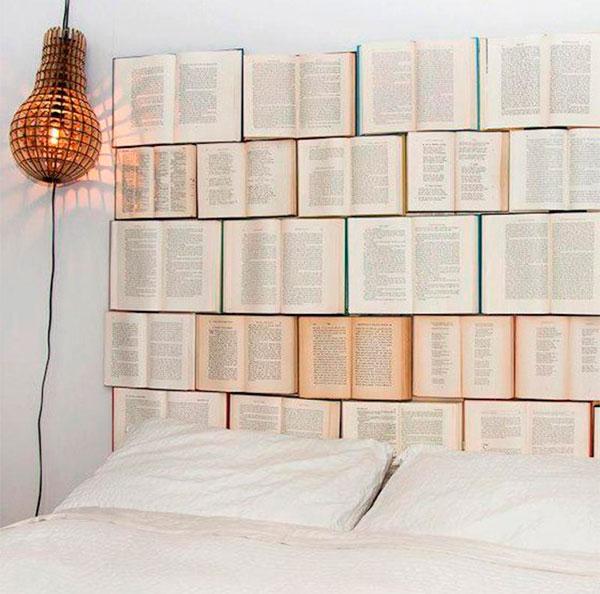 Арт стена из книг