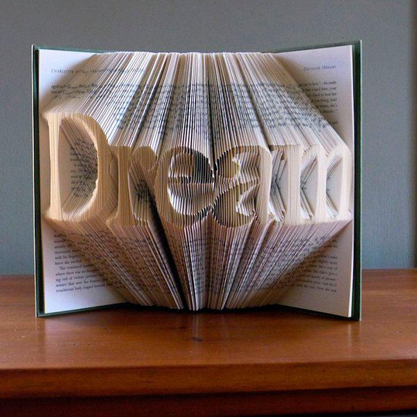 Мечта - надпись в книге