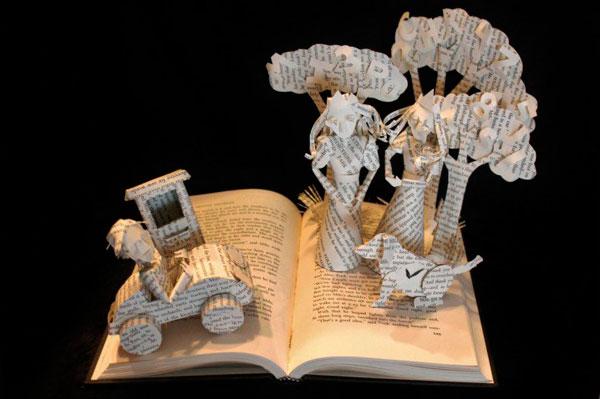 Деревья и машина в книге