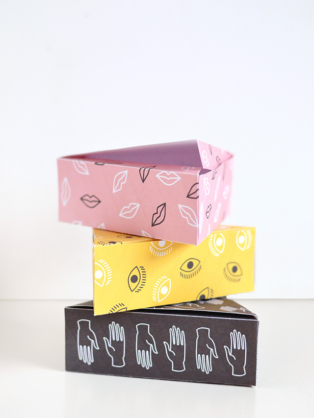 Треугольные коробочки из бумаги