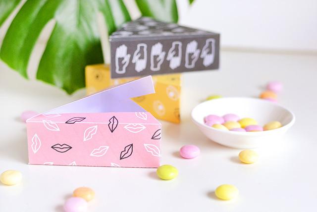 Треугольные упаковки с конфетами