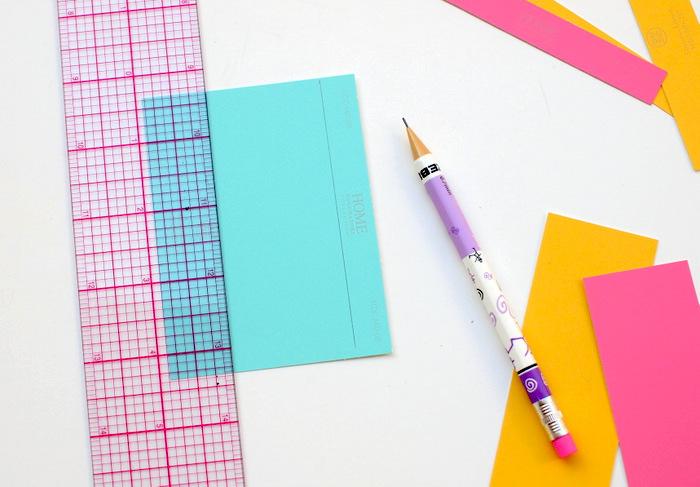 Бумага, линейка, карандаш