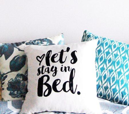 Подушка с надписью 1