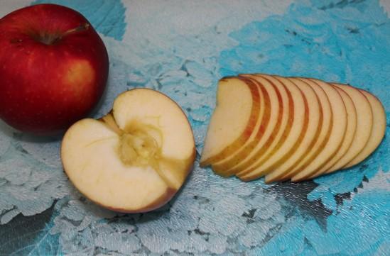 Розы из яблок 1