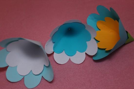 Гирлянда из бумажных цветов 6