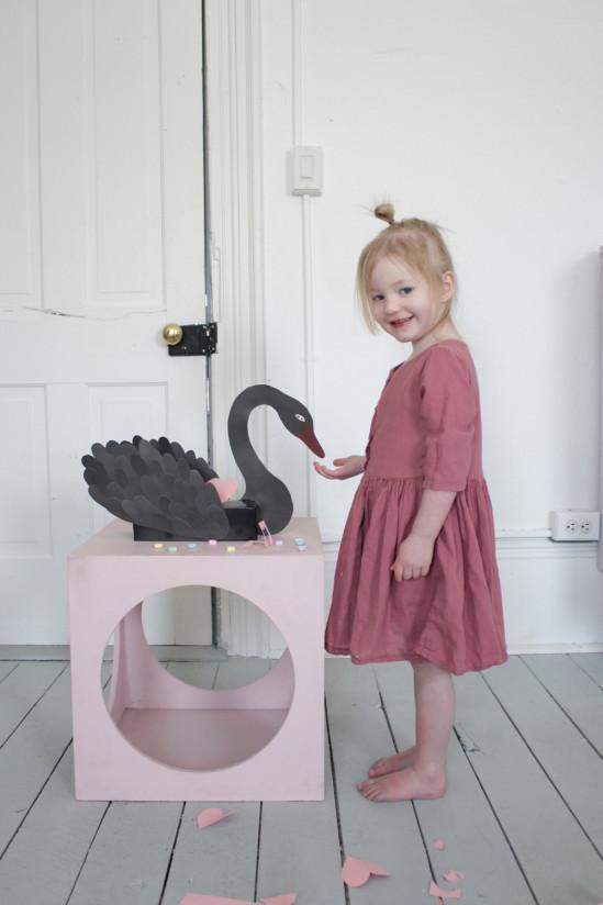 Коробка для мелочей Чёрный лебедь