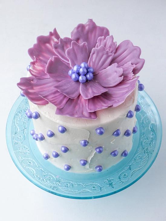 Шоколадные цветы для украшения торта 1