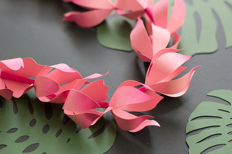 Цветочная гирлянда из бумаги-3