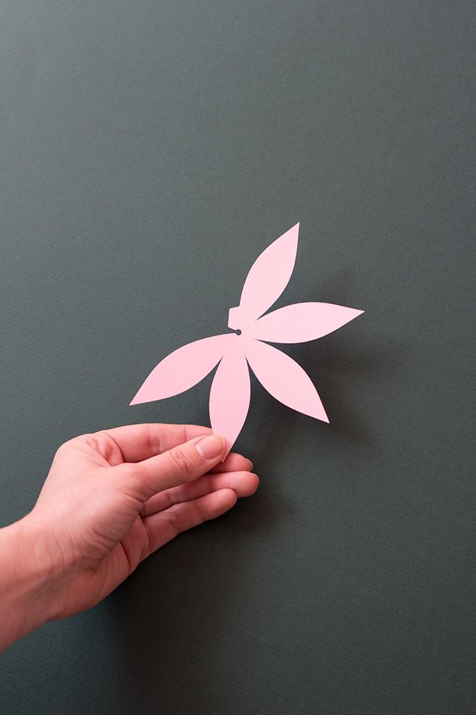 Цветочная гирлянда из бумаги-11