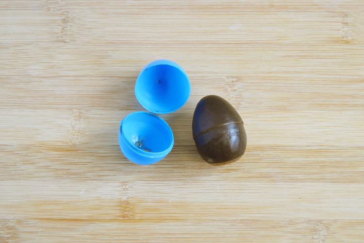 формочка в виде яиц для мыла своими руками