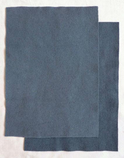 Подушка вышитая на вязаном полотне 8