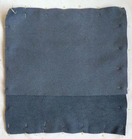 Подушка вышитая на вязаном полотне 10