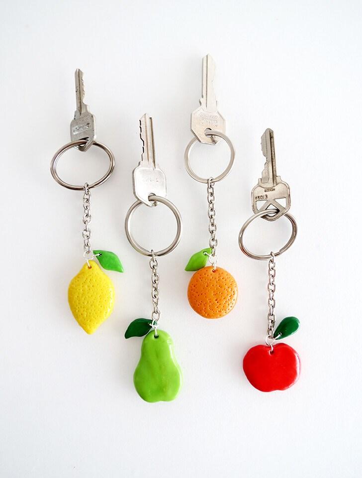 Брелок для ключей из полимерной глины
