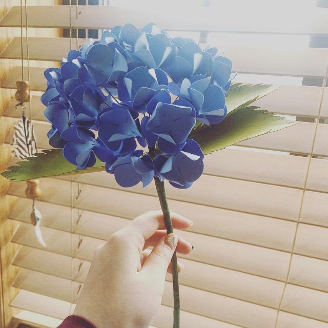 Гортензия из бумаги голубая