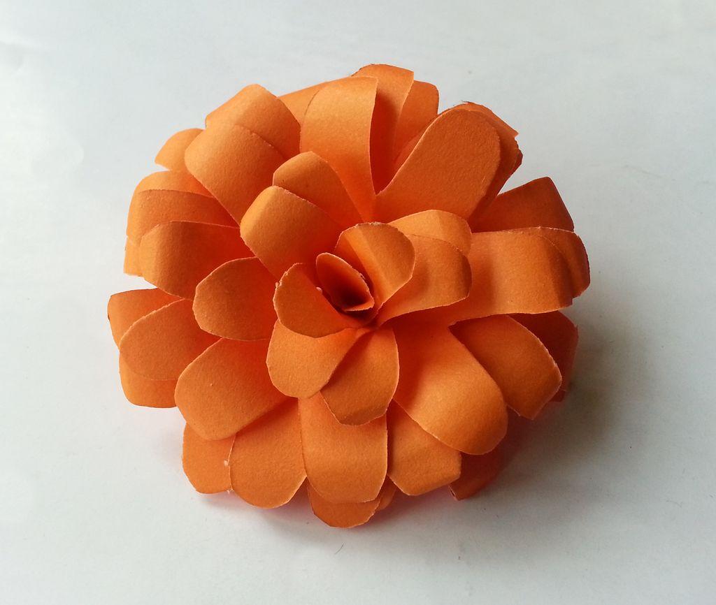 Камелия из бумаги оранжевая