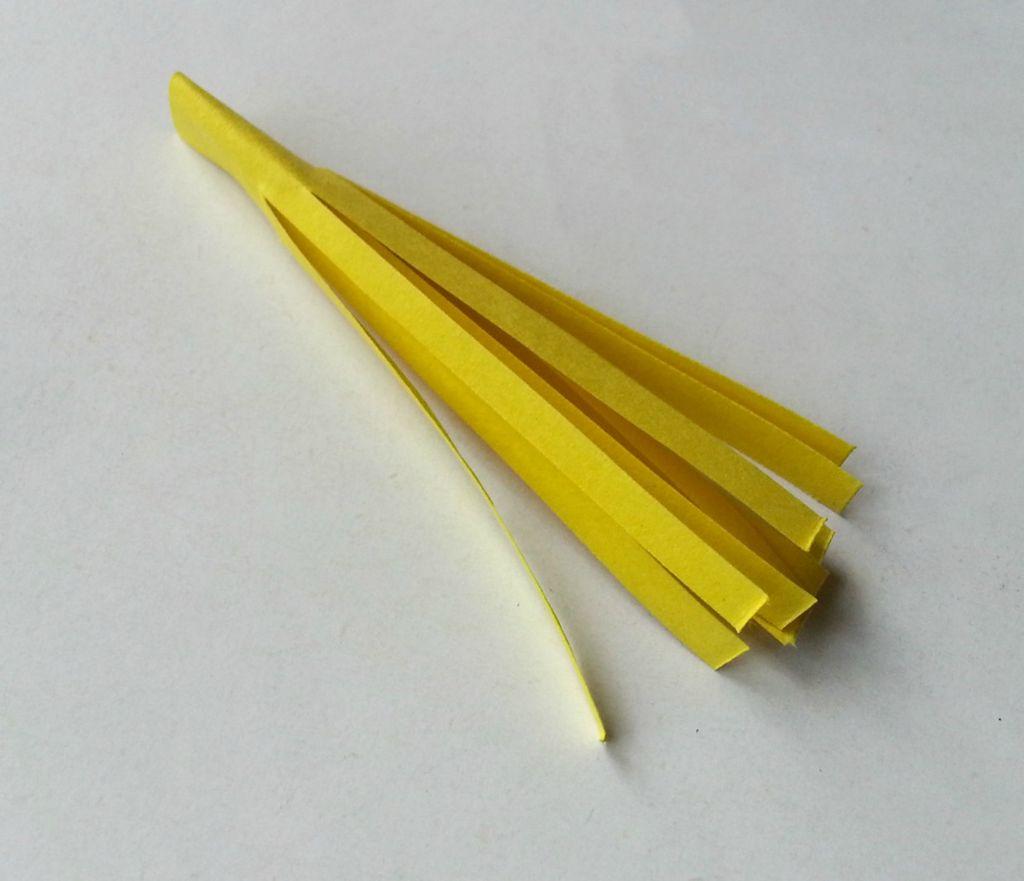 Камелии из бумаги-бахрома