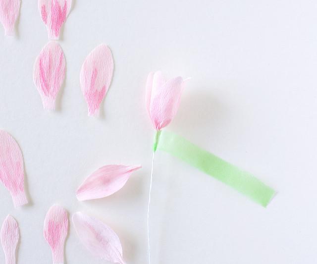 Магнолии из бумаги-собираем цветок