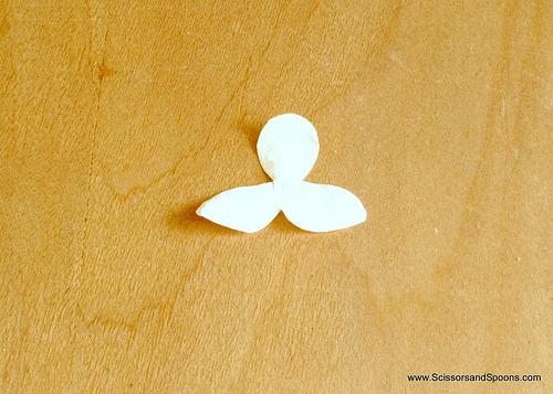 Орхидея из бумаги-начинаем клеить цветок