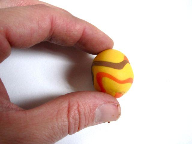 Подсолнухи из полимерной глины-раскатываем шарик