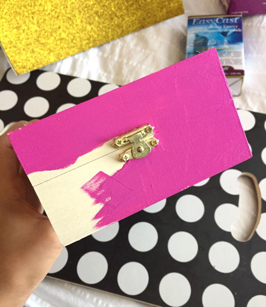Украшение для шкатулки-покрасьте коробочку